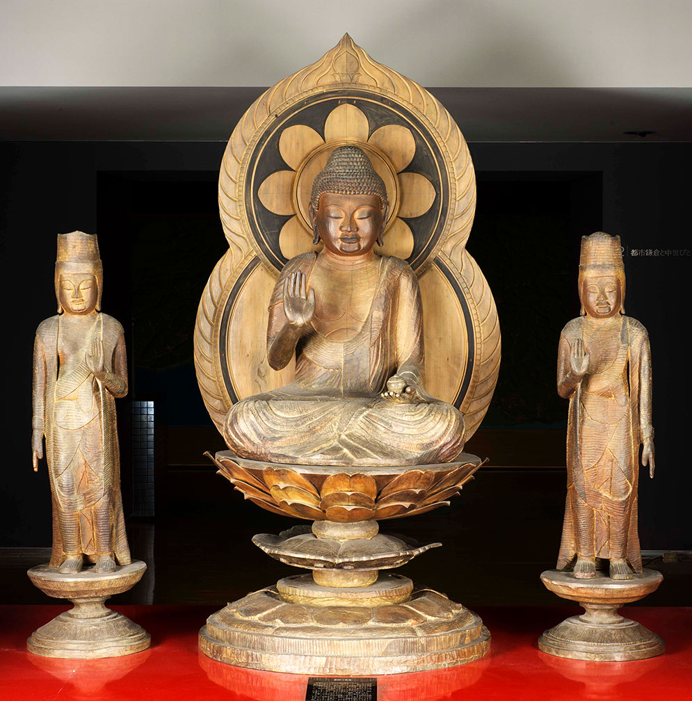 複製の仏像彫刻9件 薬師如来及び両脇侍像(原品:伊勢原市宝城坊)ほか