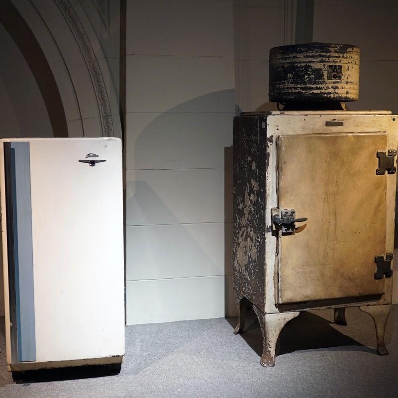今月の逸品(9月)のご紹介 昭和の冷蔵庫